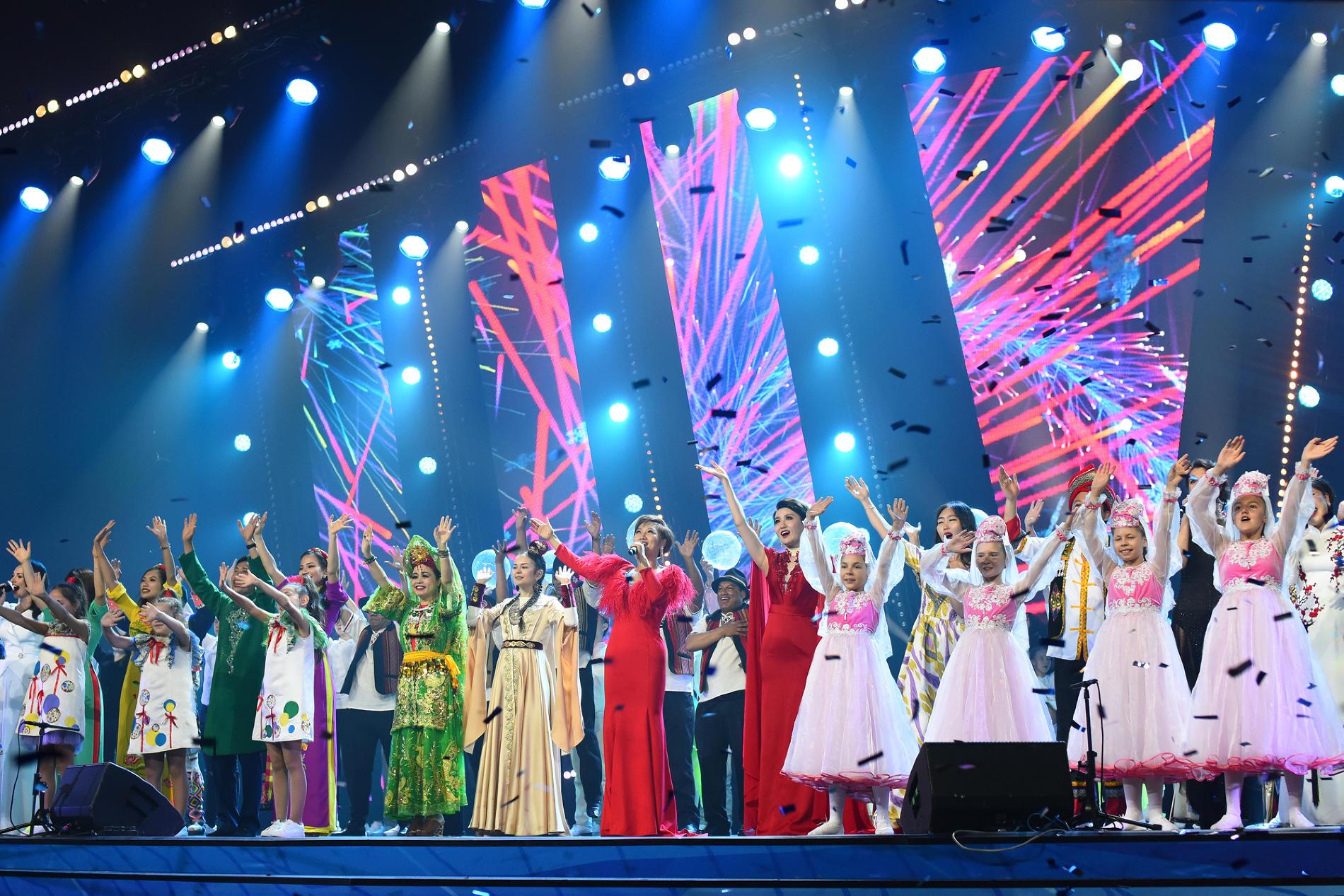 Гала-концерт закрытия фестиваля «Факел» ПАО «Газпром» в Сочи ©Фото пресс-службы фестиваля «Факел»